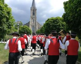Hochzeit-Sabine-und-Lukas-Musikverein-Pregarten-Einzug